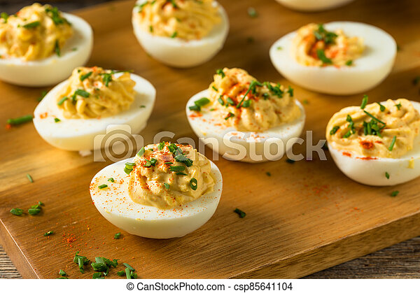 Cooked Organic Hard Boiled Eggs - csp85641104