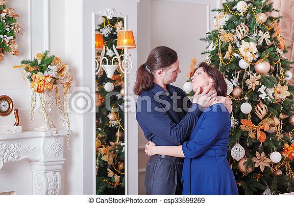 coppia, abbraccia, incinta - csp33599269