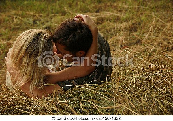 coppia, amore, mucchio fieno, natura - csp15671332