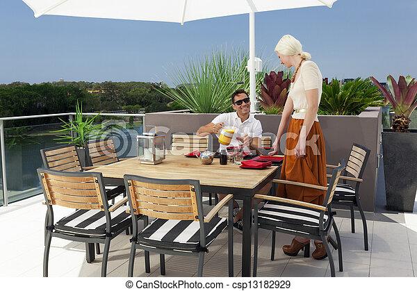 coppia, balcone - csp13182929