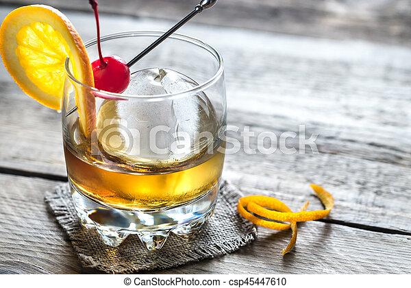 coquetéis, fashioned velho - csp45447610