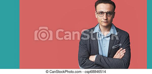 cor-de-rosa, na moda, isolado, jovem, fundo, bonito, homem - csp68846514