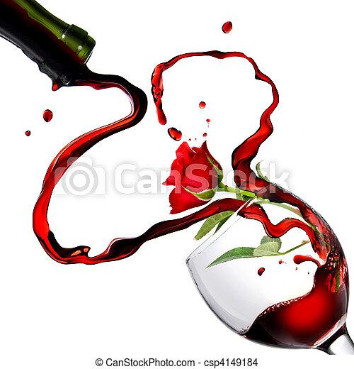 Corazón por derramar vino tinto en copa con rosa roja aislada en blanco - csp4149184
