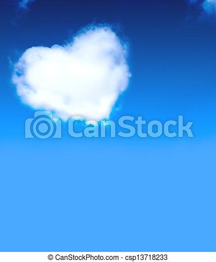 Corazón de nubes - csp13718233