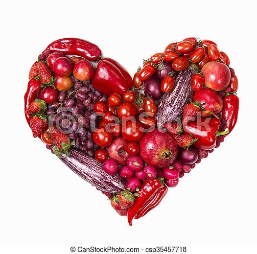 Corazón de frutas rojas y verduras - csp35457718