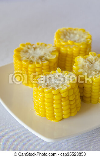 Corn on a plate - csp35523850