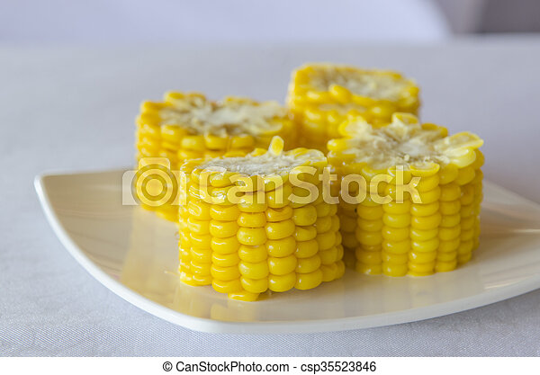 Corn on a plate - csp35523846