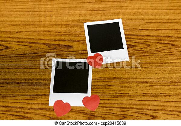 cornice foto, cuore - csp20415839