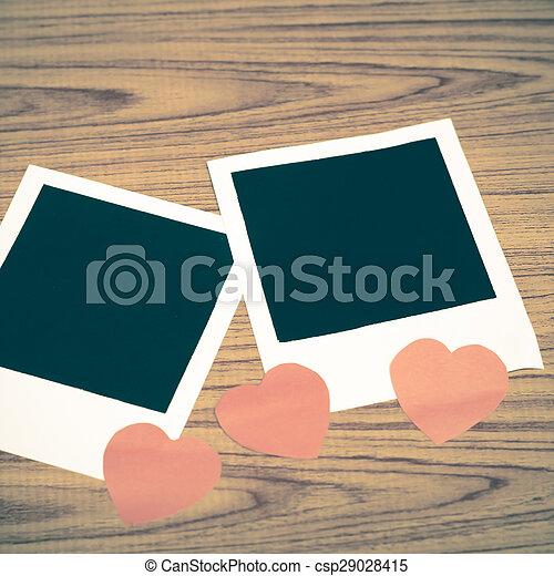 cornice foto, cuore - csp29028415