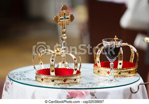Coronas en la iglesia - csp32038697