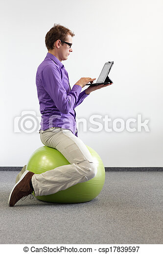 correct sitting position on ball - csp17839597