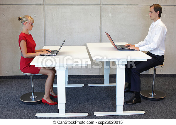 correct sitting posture - csp26020015