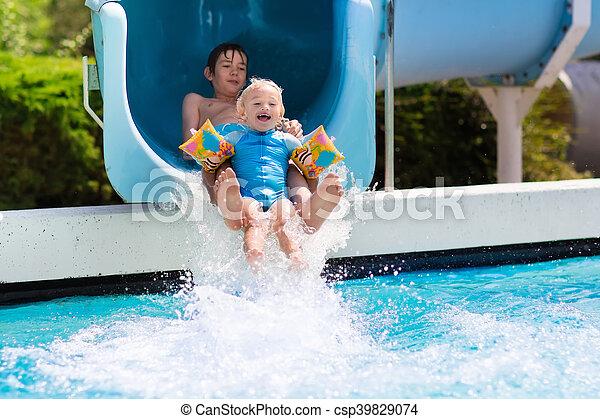 corrediça água, crianças, piscina, natação - csp39829074