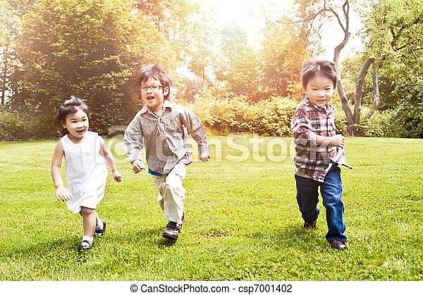 correndo, bambini, parco, asiatico - csp7001402