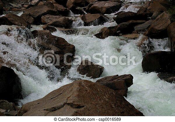 Río de montaña - csp0016589