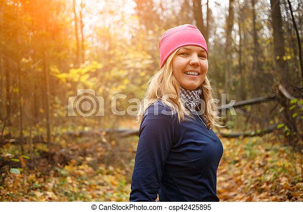 corriente, mujer, parque, joven - csp42425895
