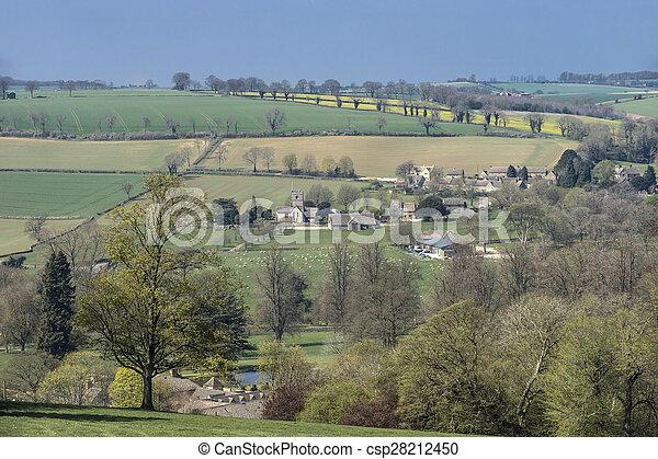 Cotswold Village en unos días de primavera, Gloucestershire, Reino Unido - csp28212450