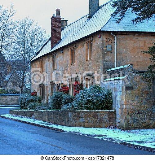Cotswold cabañas en invierno - csp17321478