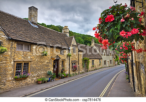 Cottages in Castle combe, Cotswolds, UK - csp7814476