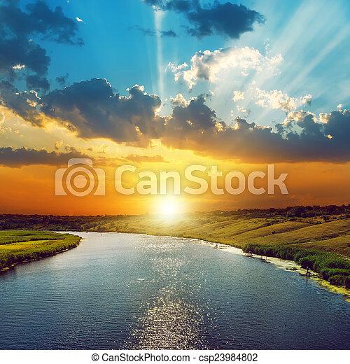 coucher soleil, bon, nuages, rivière - csp23984802