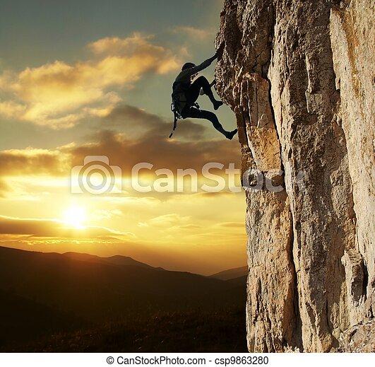 coucher soleil, grimpeur - csp9863280