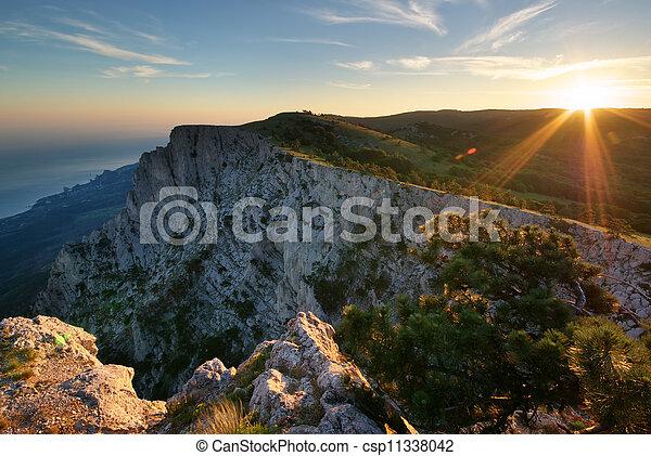 coucher soleil, mountain. - csp11338042