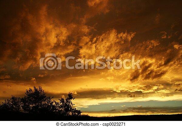 coucher soleil, orageux - csp0023271
