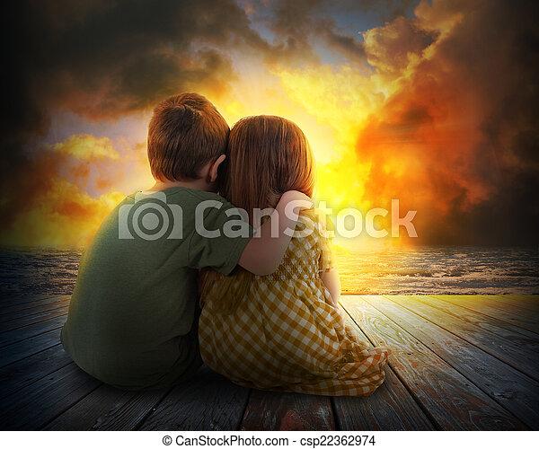 coucher soleil, regarder, été, deux enfants - csp22362974