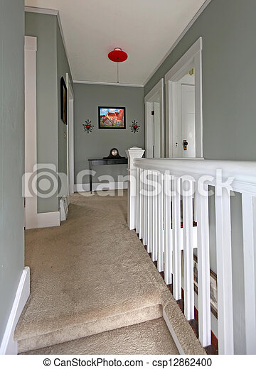 Couloir, carpet., gris, balustrade, baige, blanc. Couloir ...