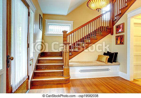 couloir interior vieux escalier banc it couloir ivoire vieux escalier bois entr e. Black Bedroom Furniture Sets. Home Design Ideas