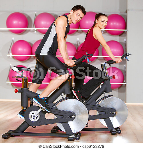 Couple at the gym - csp6123279