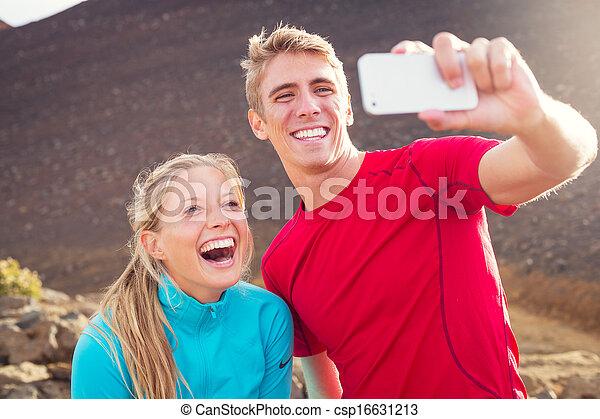 couple, athlétique, photo, selfie, jeune, séduisant, téléphone, confection, eux-mêmes, prendre, intelligent - csp16631213