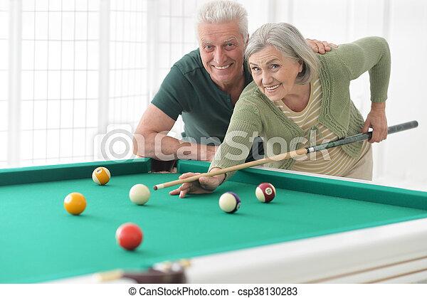 couple, billard, vieux, jouer - csp38130283