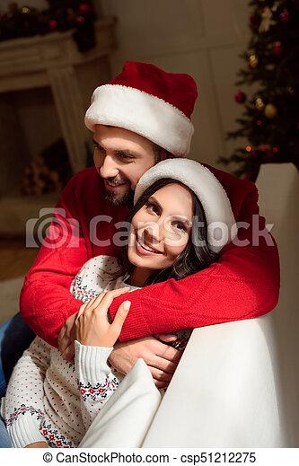 couple, chapeaux, santa, heureux - csp51212275