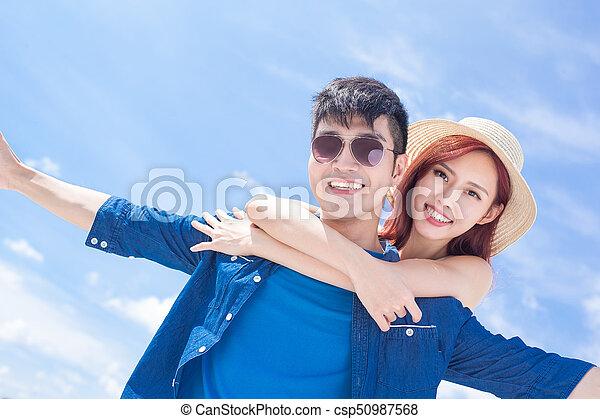 couple feel free - csp50987568
