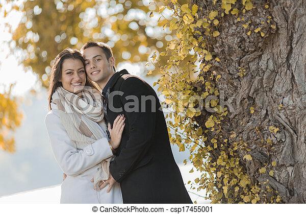 couple, forêt, jeune - csp17455001
