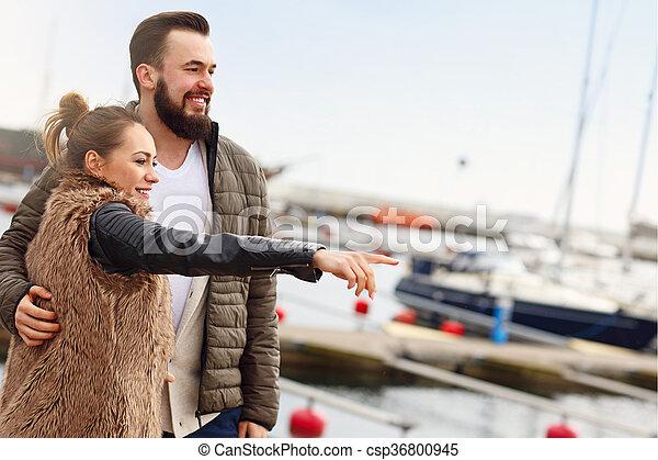 couple, jeune, pointage - csp36800945