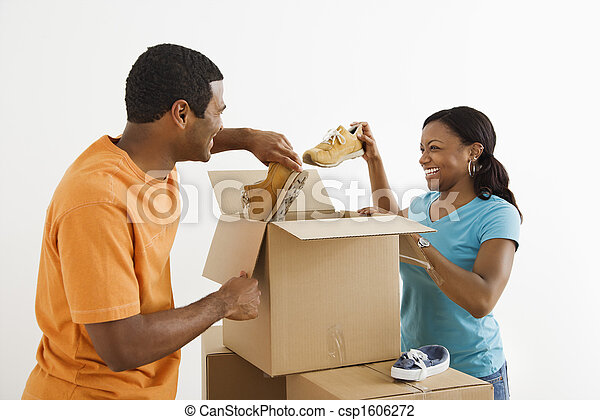 Couple packing together. - csp1606272