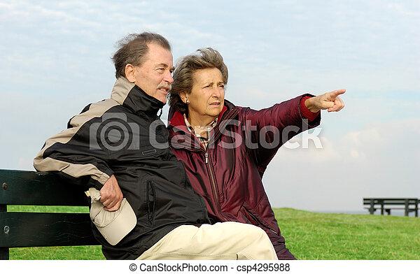 couple, parc, personne agee, banc - csp4295988