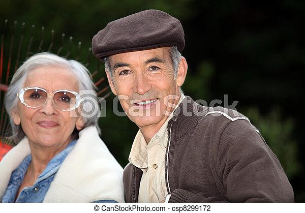 couple, râteau, jardin, personnes agées - csp8299172