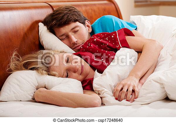 Couple sleeping - csp17248640
