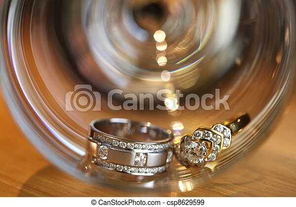 couples of platinum diamond wedding rings - csp8629599