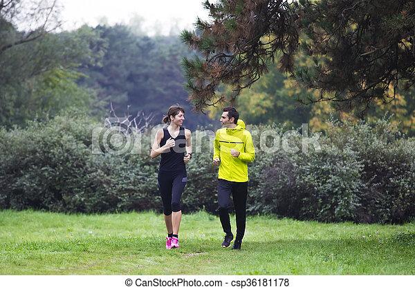 courant, couple, jeune, parc - csp36181178
