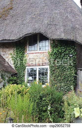 couvert chaume, cottage. - csp29052759