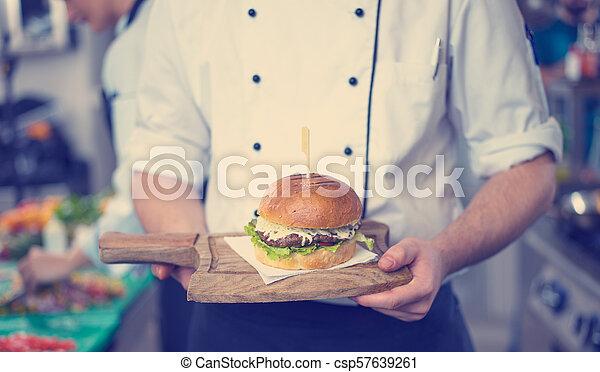 cozinheiro, hambúrguer, acabamento - csp57639261