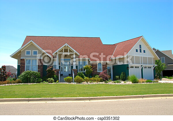 Craftsman Style House in Summer - csp0351302