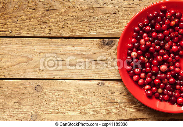 Cranberries on a plate - csp41183338