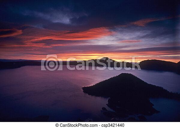 Crater Lake sunrise - csp3421440