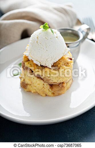 crema, manzana, hielo, empanar el pudín - csp73687065