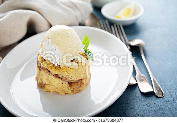 crema, manzana, hielo, empanar el pudín - csp73684877